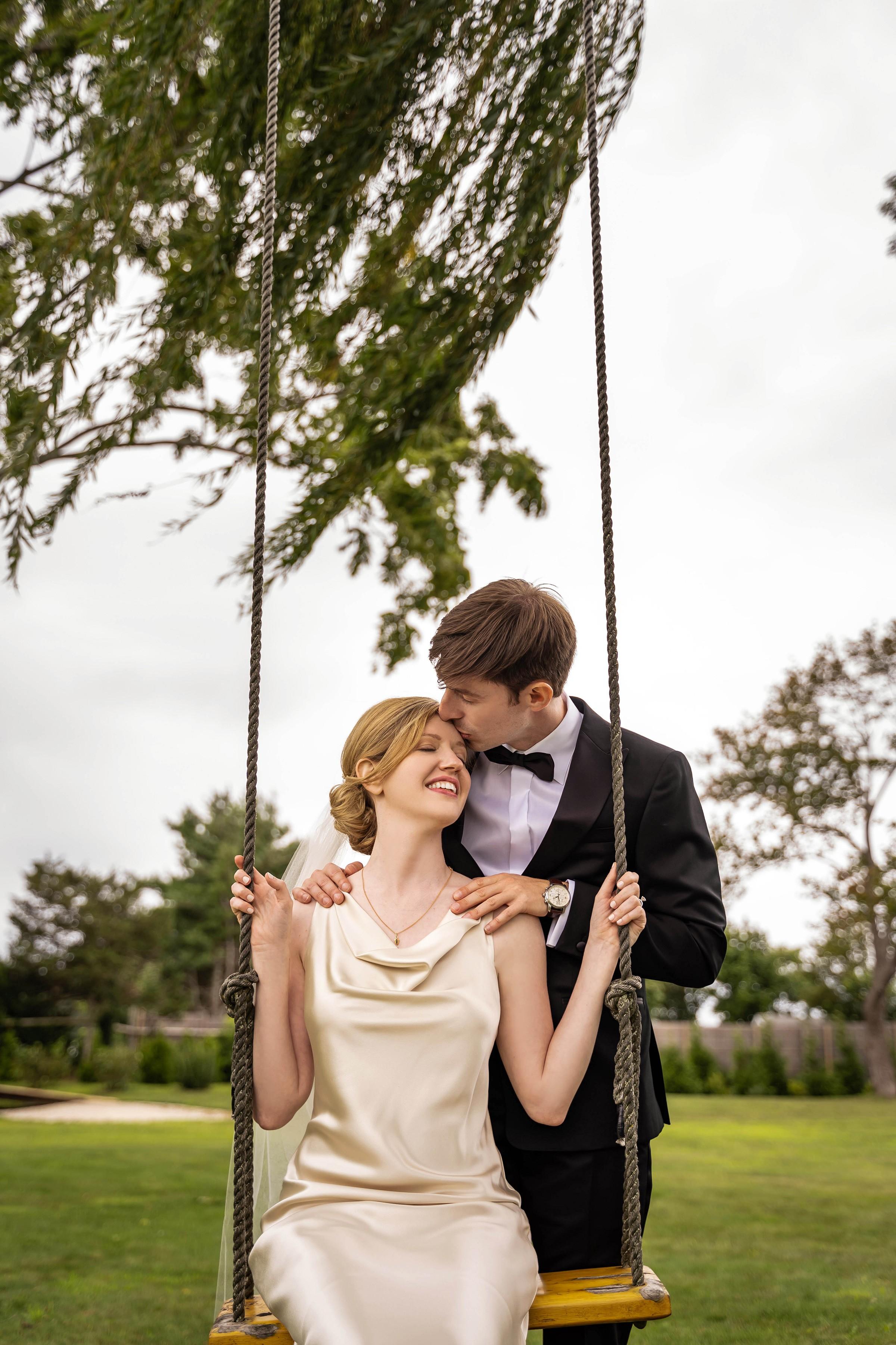 Wedding-photo-swing